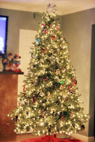 7.5′ white GE artificial pre lit tree - Costco Christmas Trees Costco Insider