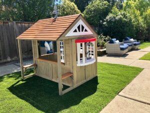 KidKraft Cedar Summit Country Vista Playhouse
